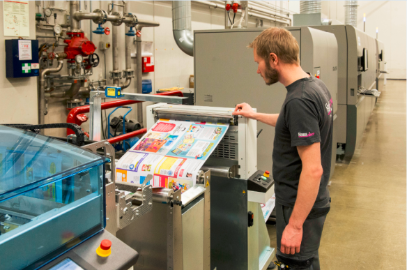 Ricoh VC60000 Colour Inkjet in action at Hansaprint, Finland
